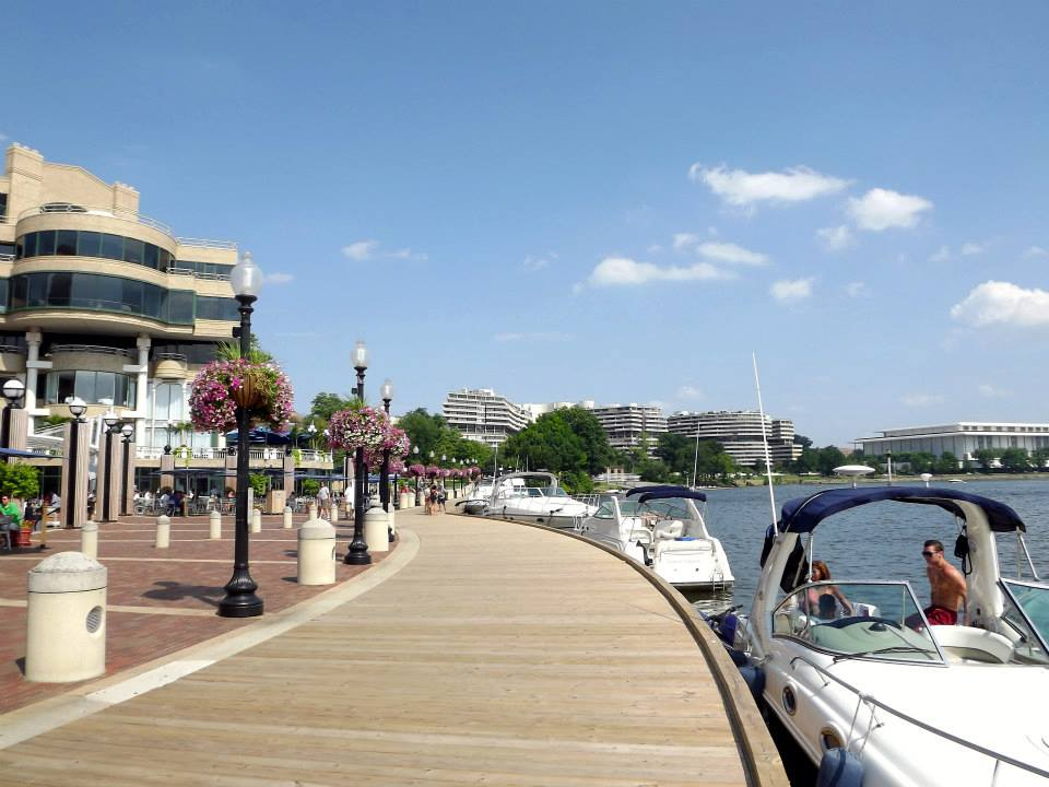 Exploring Georgetown and hanging out on the Potomac River